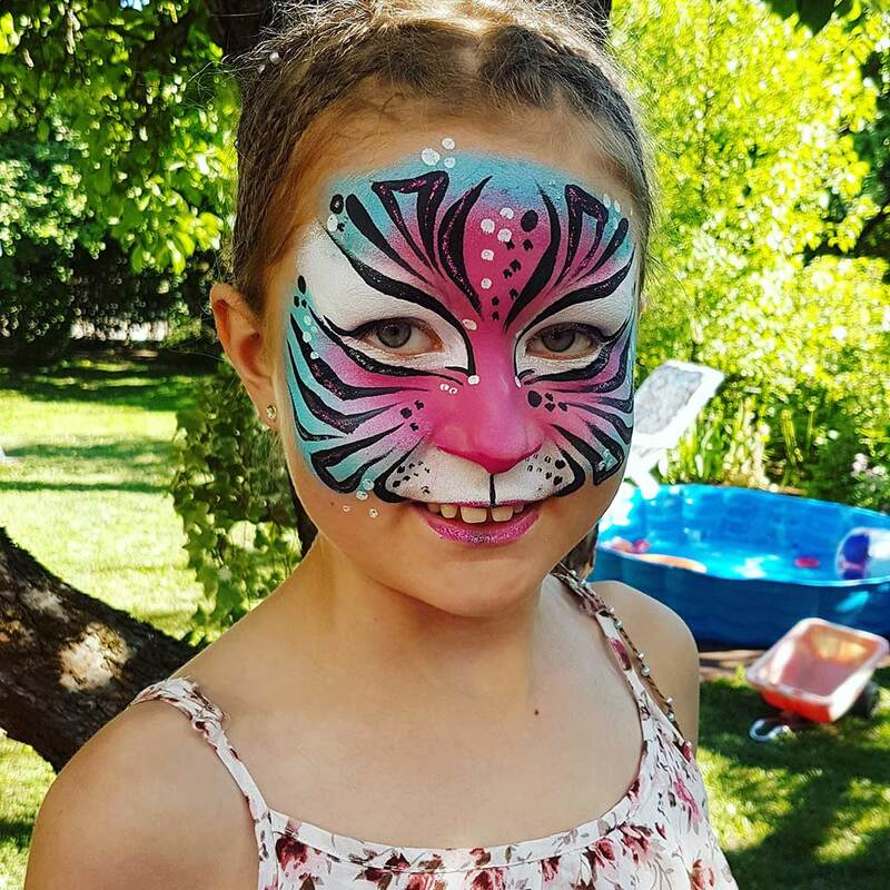 Rainbow Tiger Face painting & photo: Riina Laine